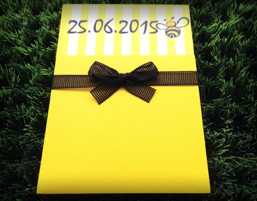 Συρταρωτό προσκλητήριο βάπτισης για κορίτσια με φάκελο σε κίτρινο χρώμα